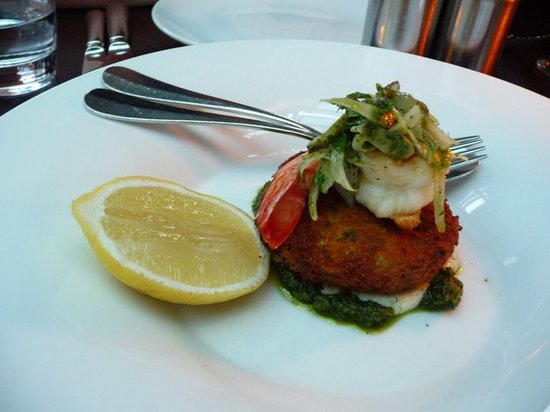 Cafe Sydney: Crab Cake with shrimp with the most delicious basil pesto I have ever tasted!