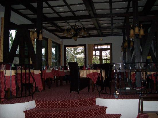 Hôtel Restaurant Le Moulin du Landion : cadre épuré et chaleureux