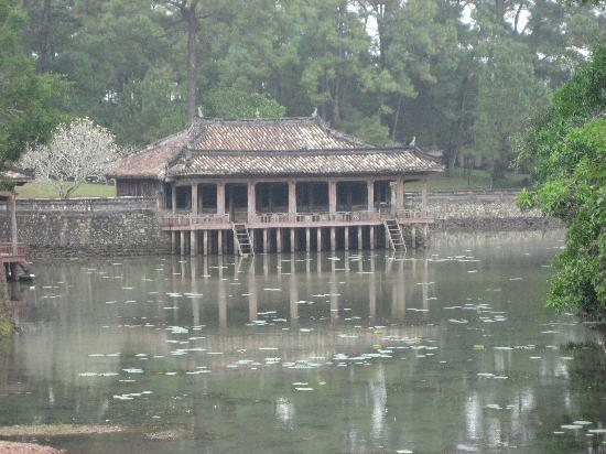 Vina Hotel Hue: Hue tombs