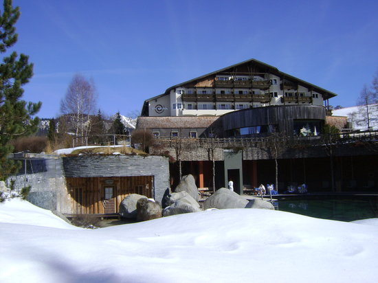 Hotel Jungbrunn - Das Alpine Lifestyle Hotel: outside