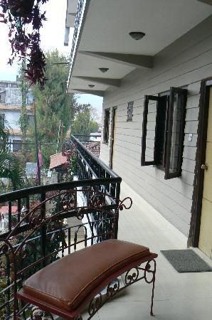 Hotel Travel-Inn: Little bench on the balcony outside my room.