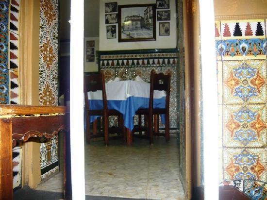 Restaurante Casa Paco: vista a una de las mesas del restaurante