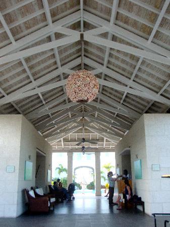 West Bay Club: The Lobby