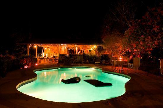 Rancho Armadillo Estate: Rancho Armadillo at night