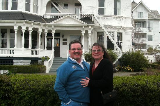 Gatsby Mansion: My wife & I in front of the Mansion