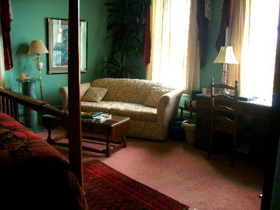 Gatsby Mansion: Our room was extremely comfortable