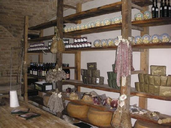 Polesine Parmense, Italien: Wine, cheese and authenicity!!