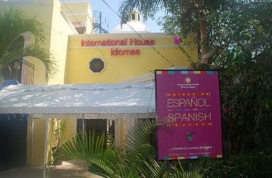 International House Riviera Maya : The entrance