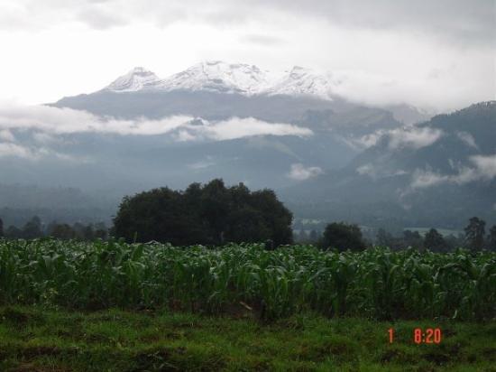 Amecameca, México: Volcan Iztaccihuatl desde Juchitepec 2004