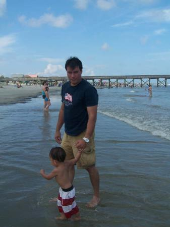 Isle of Palms, Güney Carolina: My handsome husband, Wayne, and Baby Ben.