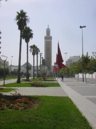 Tanger, Marokko: One of the mosques in Tangier, Morocco.  July 2009