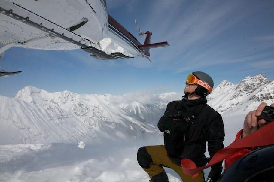 Earl Grey Lodge: Heli-Skiing