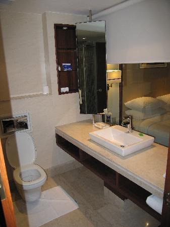 Park Inn Gurgaon: Bathroom