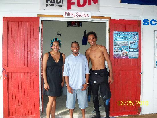 Seagrape Plantation Resort: Our friendly dive staff