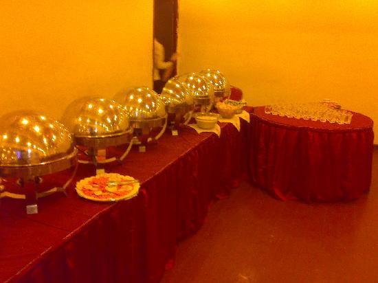 Hotel Bhimaas : Dinning
