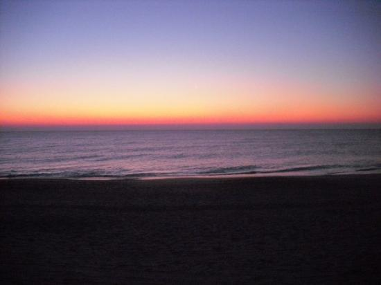 Sunrise at Carolina Beach in NC. My camera sucks >.>