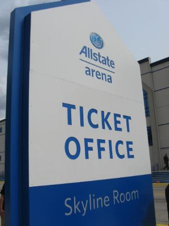 This Was Where I Waited For The Employees To Guide Us Inside The Building In The Ticket Office Foto De Allstate Arena Rosemont Tripadvisor