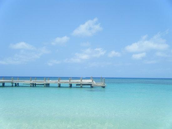 Las Sirenas Hotel & Condos: il mare davanti all'hotel