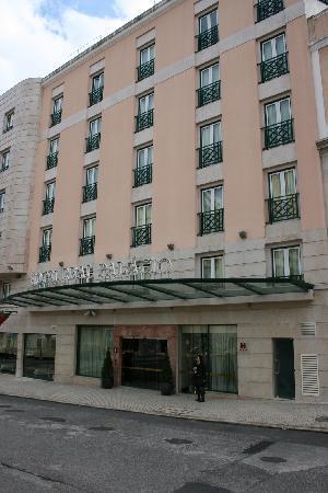Hotel Real Palacio : hotel outside
