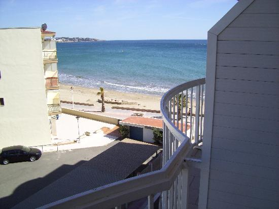 Hotel Augustus: playa desde terraza hotel