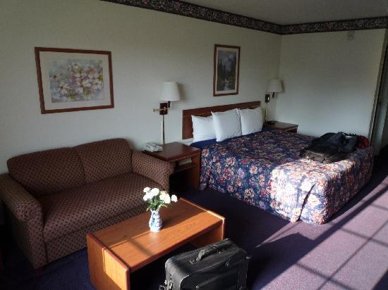 Days Inn & Suites Gresham: 部屋の中です その1