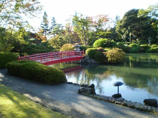 Sunroute Hotel Garden Palace : View of the Japanese garden