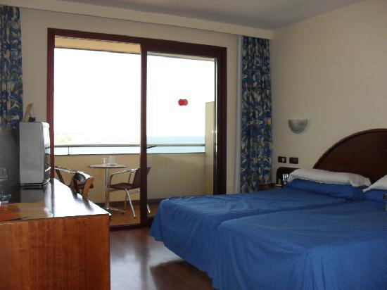 VIK Gran Hotel Costa del Sol: Comfy beds!
