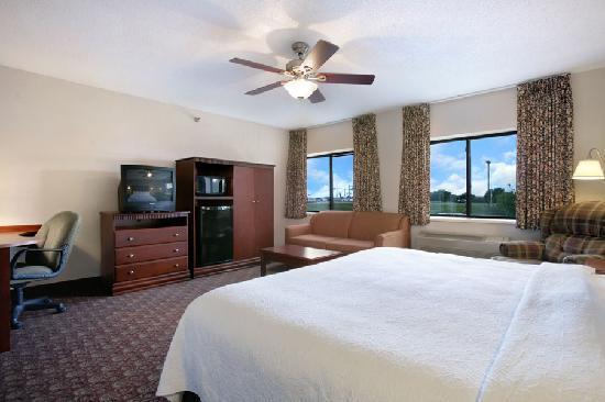 Baymont Inn & Suites Sioux Falls : Family Suite