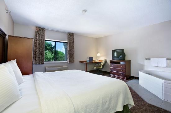 Baymont Inn & Suites Sioux Falls : Jacuzzi Suite