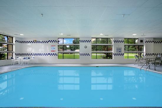Baymont Inn & Suites Sioux Falls : Indoor Pool & Whirlpool