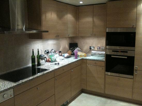 Cheval Knightsbridge: Flat kitchen