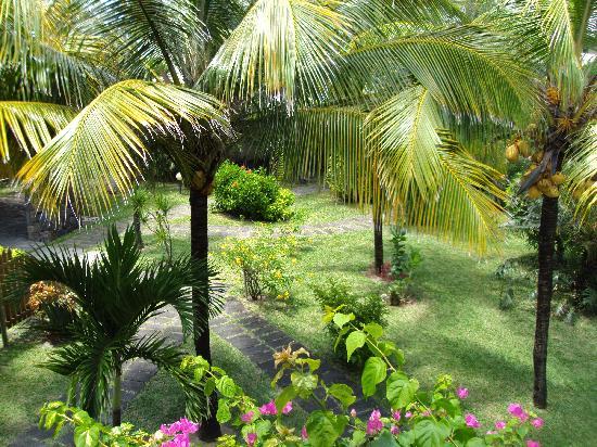 Trou d'eau Douce: Silver Beach Gardens