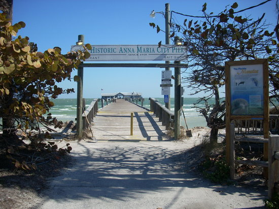 Sea Isle Motel: City Pier on Anna Maria Island