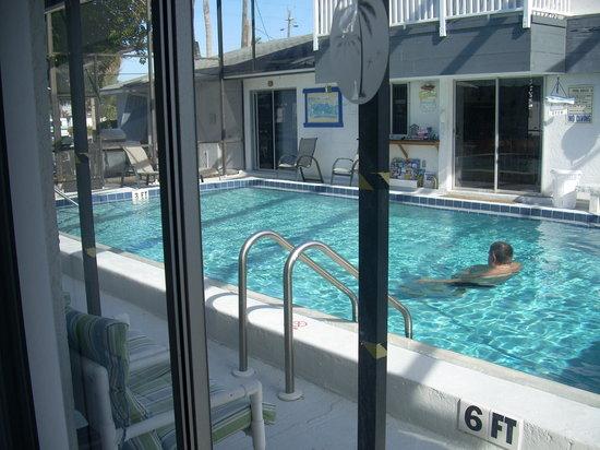Sea Isle Motel : Pool area