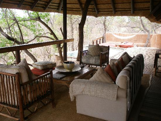 Makalali Private Game Reserve, South Africa: Hambleden Suite outdoor area