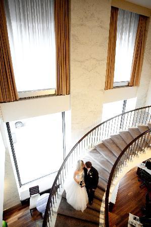 The Westin Michigan Avenue Chicago: Spiral Staircase In Westin Michigan Ave.