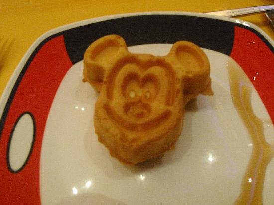 Disney's Hollywood Hotel: Mickey pancake to start the day right.