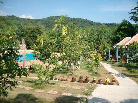 Supsangdao Resort: view fron entrance