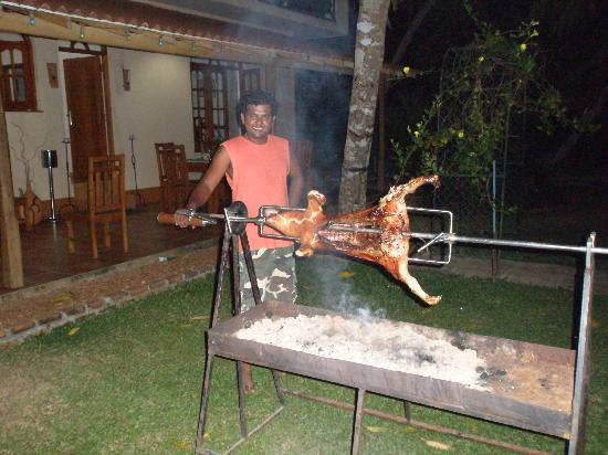 Shangri-Lanka Villa: Evening Dinner - Roast Suckling Pig