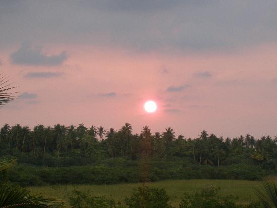 Shangri-Lanka Villa: Sunset from the top villa