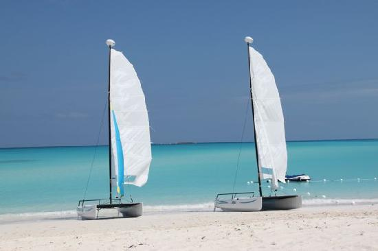 Sandals Emerald Bay Golf, Tennis and Spa Resort: Sandals Hobbie Cats on the Beach