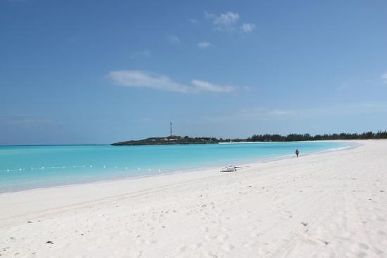 Sandals Emerald Bay Golf, Tennis and Spa Resort: Endless Beach