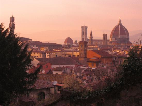 Firenze, Italia: VUE DE FLORENCE AU COUCHER DE SOLEIL