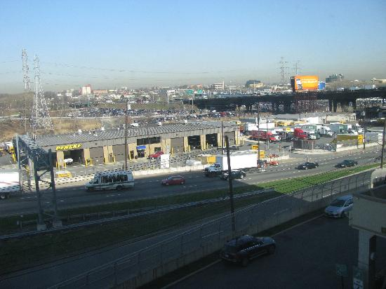 Meadowlands View Hotel: View outside