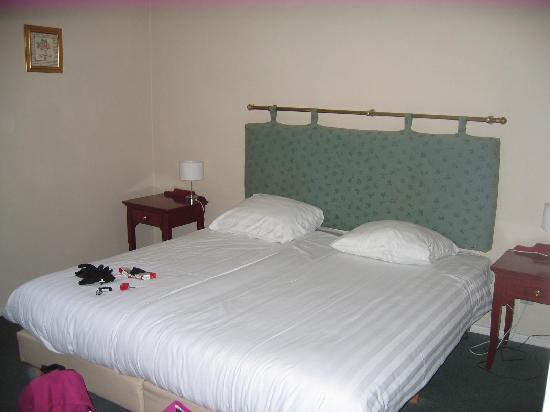 Hotel Bigarre : rien a voir avec les photos du site!