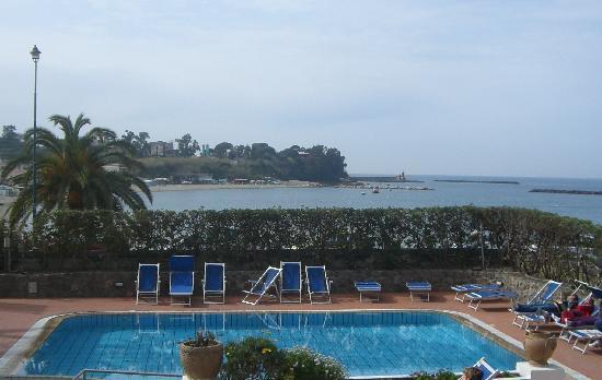 "Grand Hotel Ischia Lido: la "" piscina """