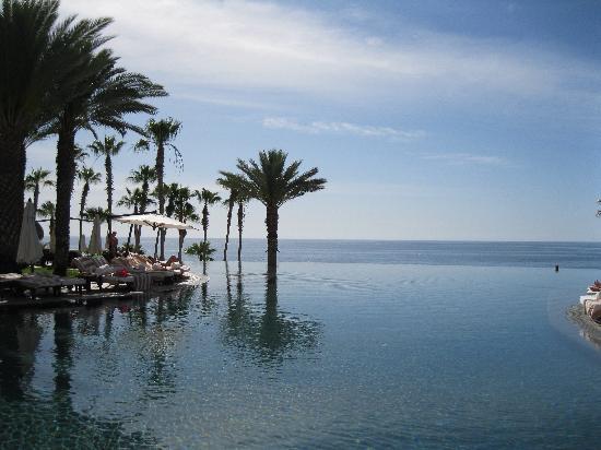Hilton Los Cabos Beach & Golf Resort: Main infinity pool