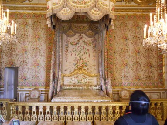 Versailles, France: The queen's birthing bed! This is where the queens of France delivered their babies so the publi