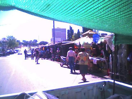 Rivera, Uruguai: La Linea,buhoneros de la frontera.