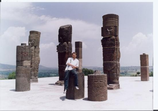 Tula de Allende, Messico: chillin hard with the mezoamerican aristocrats 3000 yrs later